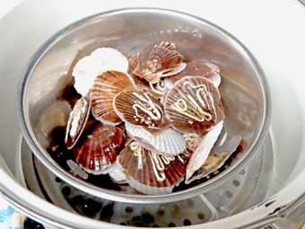 帆立稚貝を蒸す