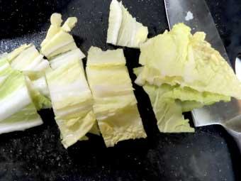 帆立稚貝(ベビーホタテ)八宝菜に使う白菜の葉