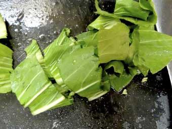 帆立稚貝(ベビーホタテ)八宝菜に使うチンゲン菜の葉