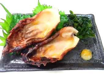 刺身を盛り付ける海鞘(ホヤ)の殻