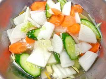 野菜汁を発酵させる
