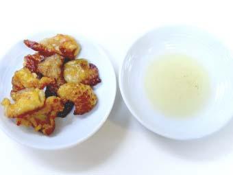 こんがり焼いた鶏皮と滲み出た鶏油