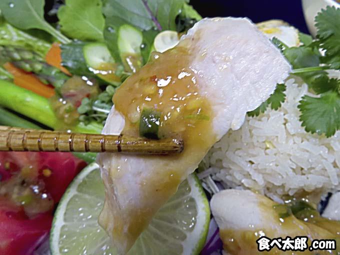 カオマンガイの茹で鶏と特性タレ