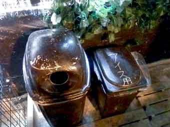 アウルの森@浅草公会堂前店のゴミ箱