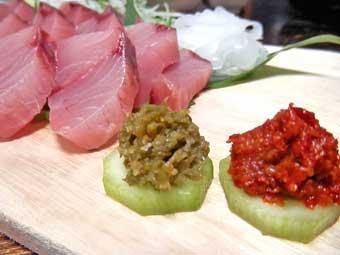 鰤の刺身と柚子胡椒